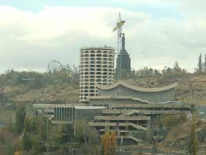 Кто догрыз в Ереване «Обглоданную кукурузу»?